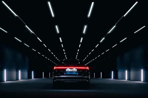 Audi e-tron Sportback 55 quattro im Audi Lichtkanal