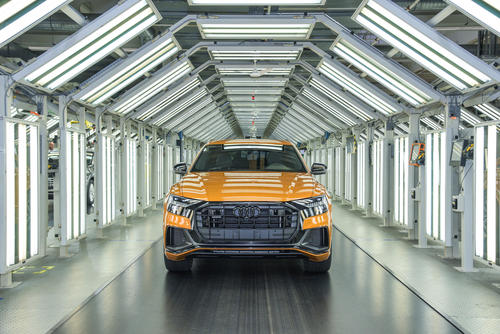 Production of the new Audi Q8 with the plug-in hybrid drive started at the Volkswagen Slovakia site in Bratislava at the end of 2020.