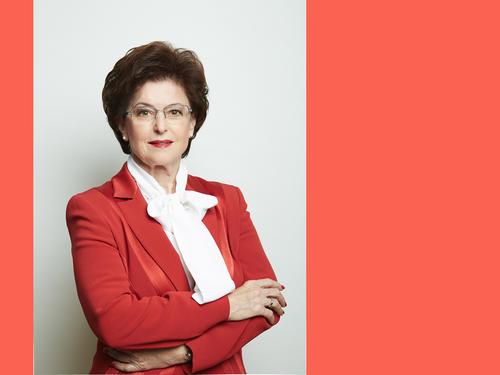 Dr. Elisabeth Knab