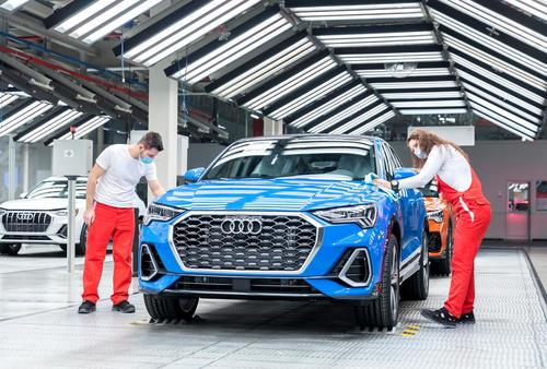 Production of Audi Q3 PHEV at Audi Hungaria