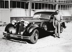 Achille Varzi und seine Auto Union Dienstwagen: Auf der Rennstrecke der Typ C Silberpfeil außerhalb ein schicker Horch 853