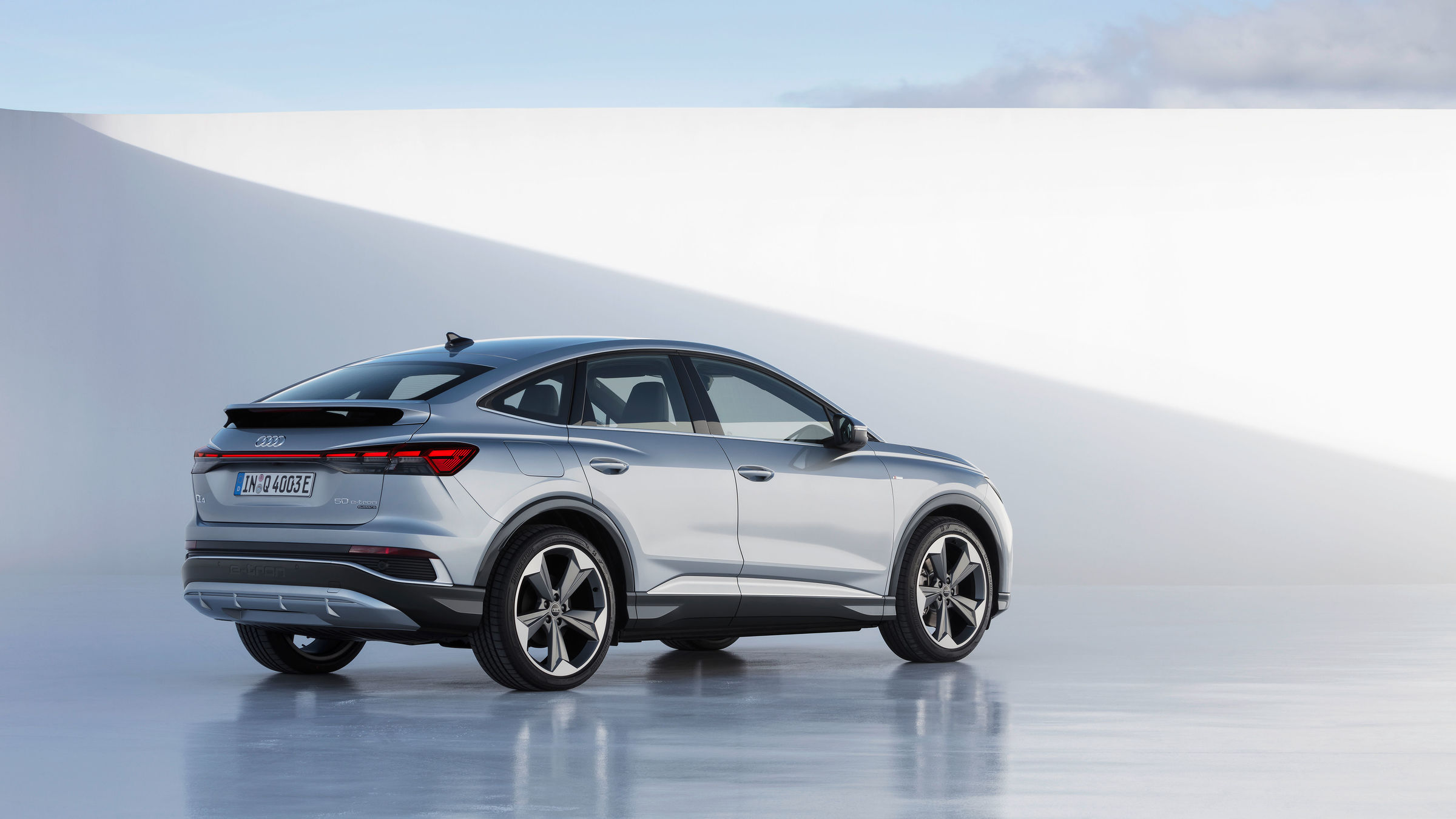 Electric, efficient and emotionally appealing: Audi Q4 e-tron and Q4 Sportback e-tron - Image 3